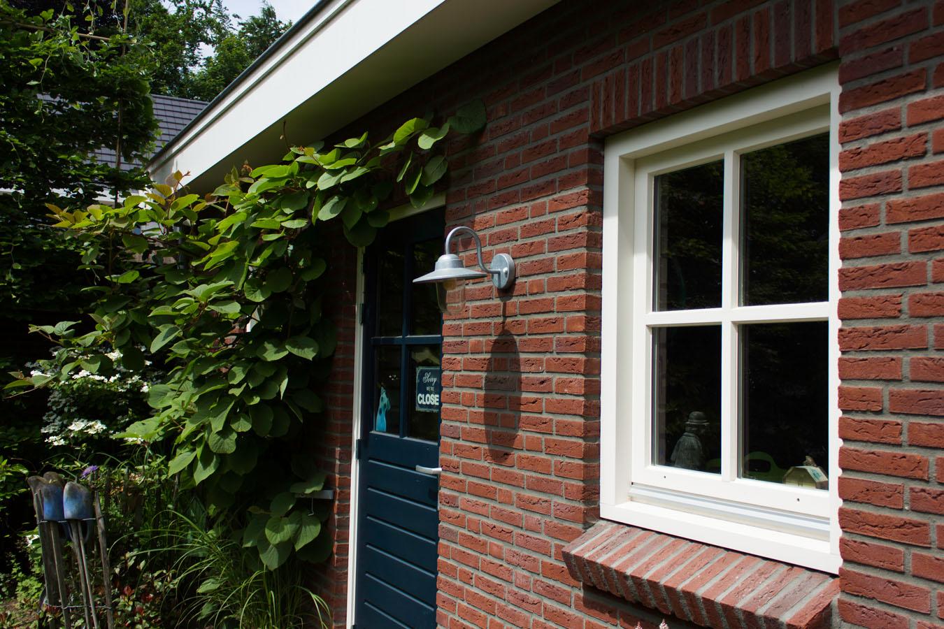 Garage Met Overkapping : In tens groep garage en overkapping