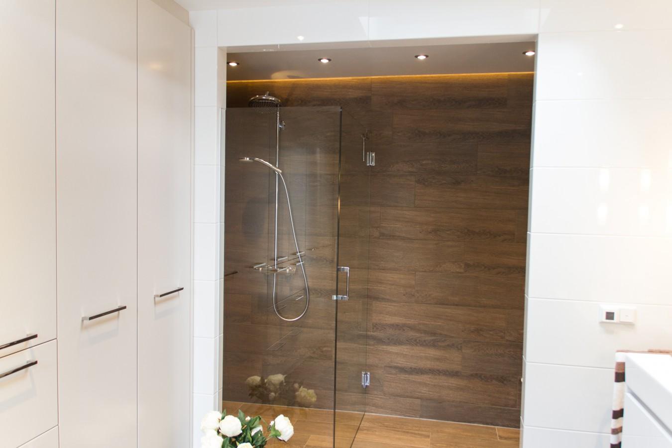 Kosten Badkamer Met Bad ~ Badkamer Helmond  renovatie slaap badkamer aanbouw aan bestaande